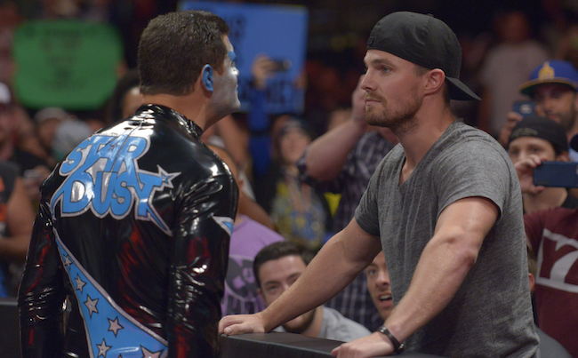 John Mayer At All In (PHOTO); Stephen Amell Backstage At All In (PHOTO)